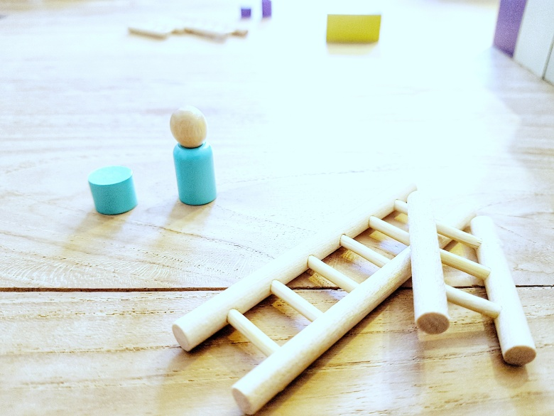Board games are fun with Capstone Games The Climbers and Simply Complex. Player pieces and ladders
