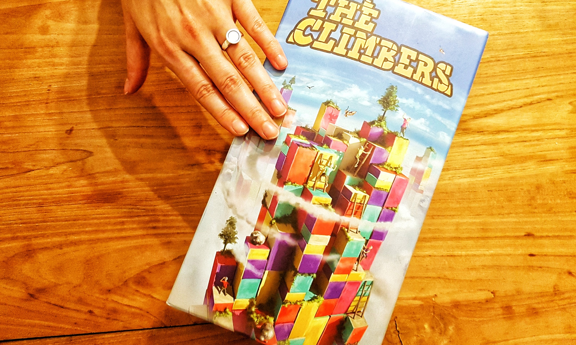 hands on board game review of the Climbers by Capstone Games and Simply Complex Boxcover