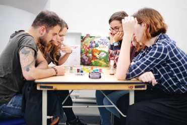 Capturing people when so deeply into what board games can do to us, just a fantastic moment. Magic Maze Kids is fun even for adults by Geronimo