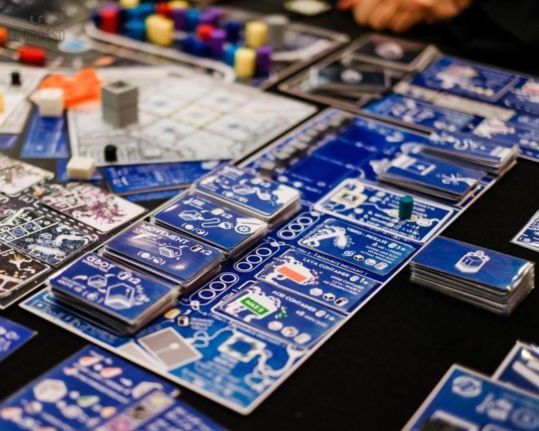 Spiel 2018 Stress Botics by 4Dados cards