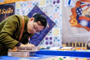 Mini Spiel 2018 WWII by Formosa Force Games from Wei-Cheng Cheng signing boxes