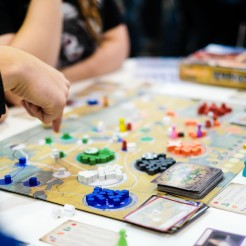 Spiel 2018 Pandemic Fall of Rome by Asmodee Games cubes