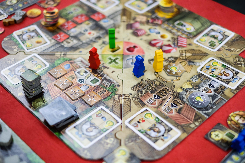 Spiel 2018 Crown of Emara by Pegasus Spiele rondel