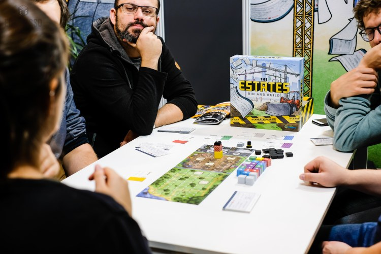 Spiel 2018 The Estates by Capstone Games overview