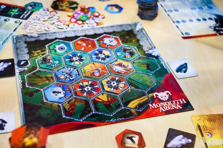 Spiel 2018 Monolith Arena by Portal Games board