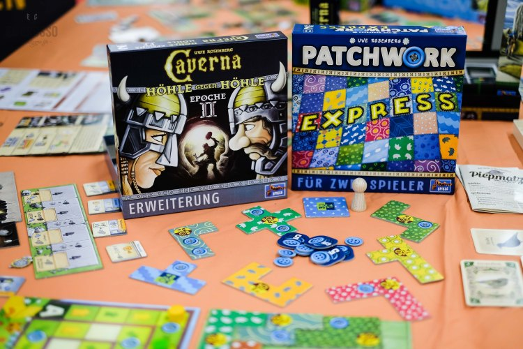 Spiel 2018 Lookout Spiele releases Caverna Cave versus Cave 2 and Patchwork Express